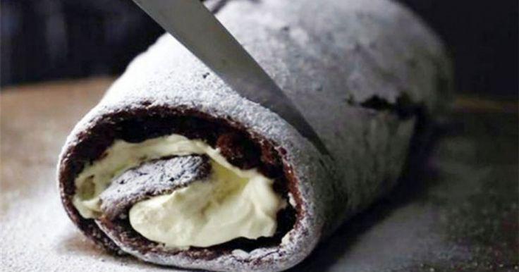 Μια πανεύκολη συνταγή για ένα υπέροχο Σοκολατένιο Κορμό ψυγείου με merenda και μπισκότα Μιράντα, έτοιμο σε 15′ χωρίς ψήσιμο. Απολαύστε..