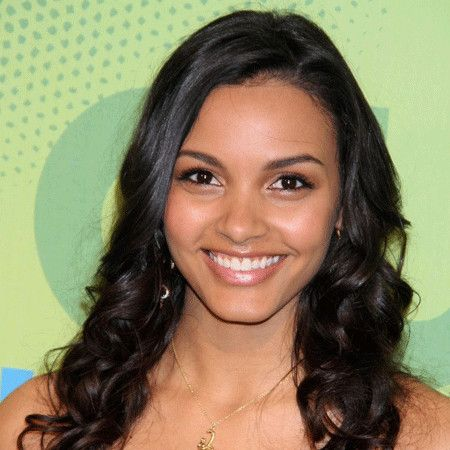 Jessica Lucas wiki, affair, married, Lesbian with age, height, actress,