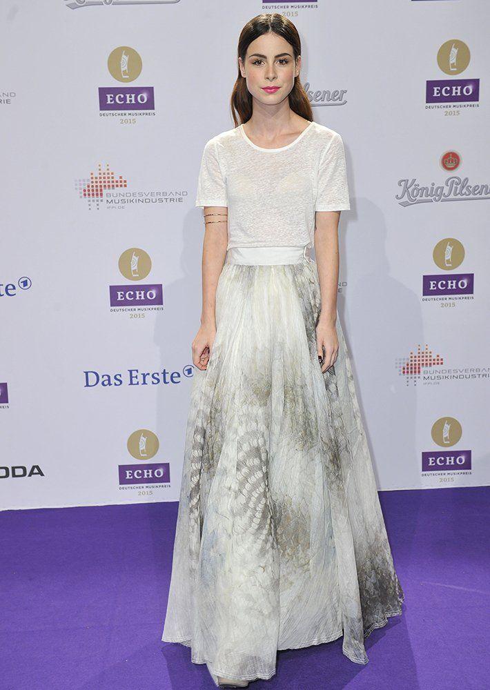 Trend erkannt! Lena Meyer-Landrut kam in einem bodenlangen Maxi-Dress und stylte ihre Haare im Sleek-Look