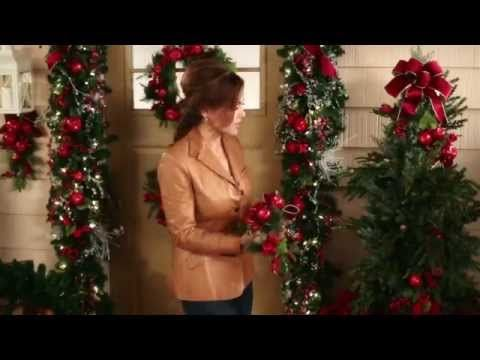 Christmas Decorating How-tos: Make Front Door Something Special   Lisa Robertson