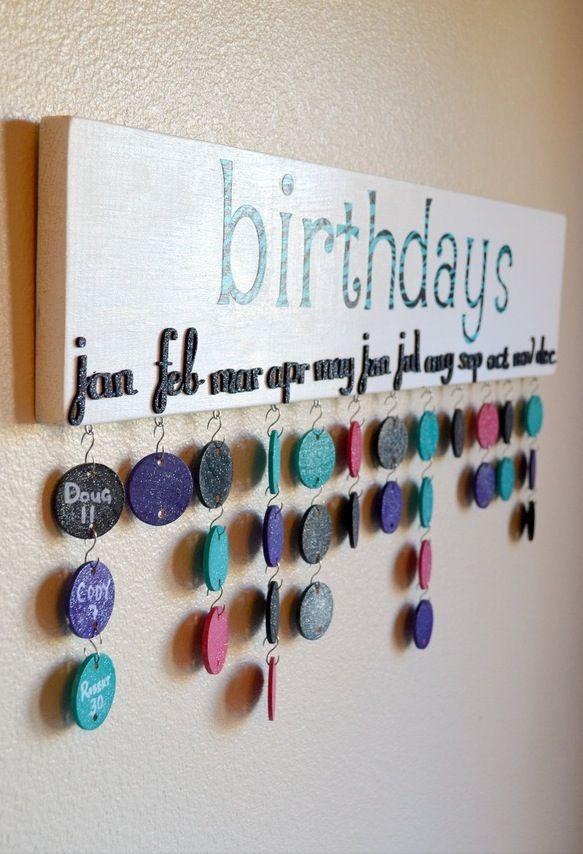 Con feriados, cumpleaños y aniversarios.