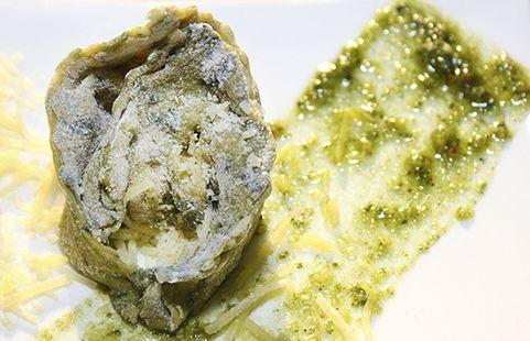 Los raviolis verdes son una receta ideal para compartir en una cena muy especial con tus amigos. Puedes acompañarlo con una buena copa de vino.