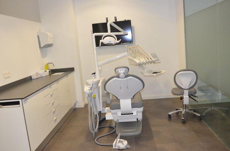 Implantes dentales en Valencia e.dent odontología - Quirofano / Box 2
