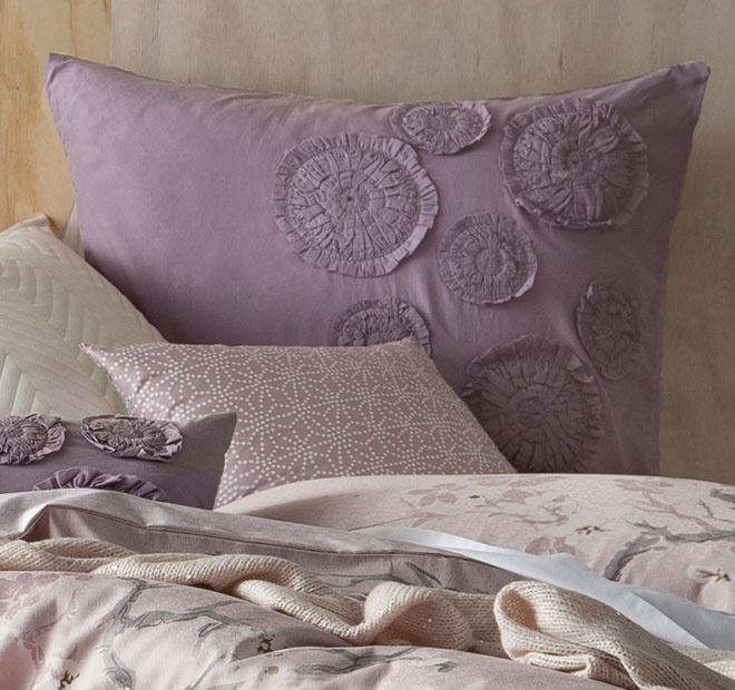 Dusky Mauve Linen House Sayuri Quilt Set   <3