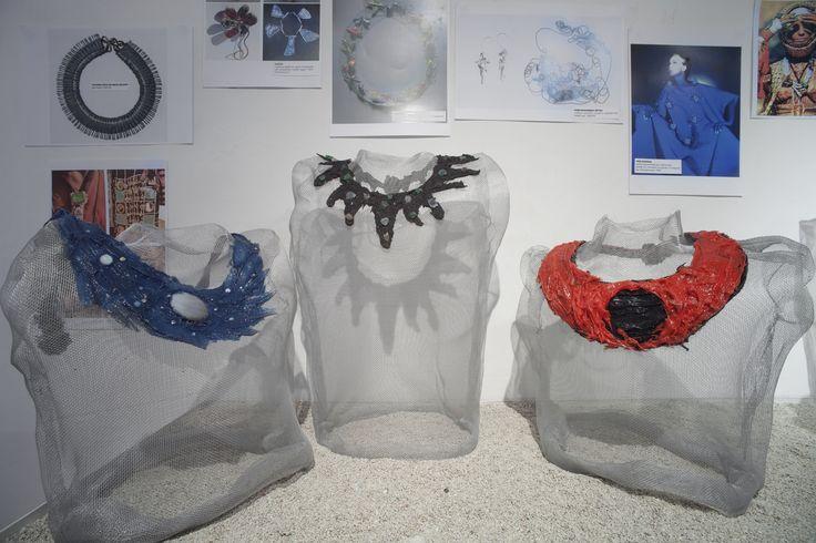"""allestimento mostra """"riempi il vuoto"""", galleria terre rare, 2012, foto m. monti"""