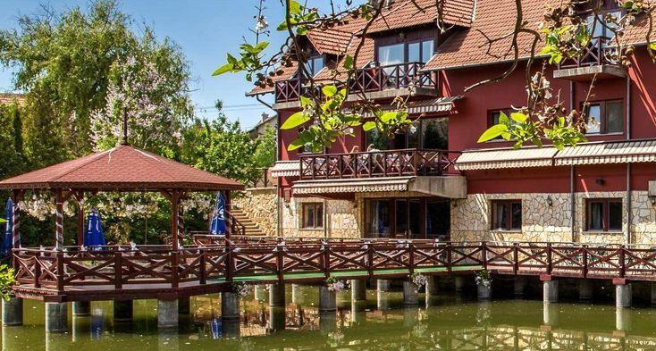 Budapest mellett Érden, egyedi környezetben színvonalas esküvők akár szertartással együtt megrendezhetők a Festal Étteremben. Kérésére akár komplex...