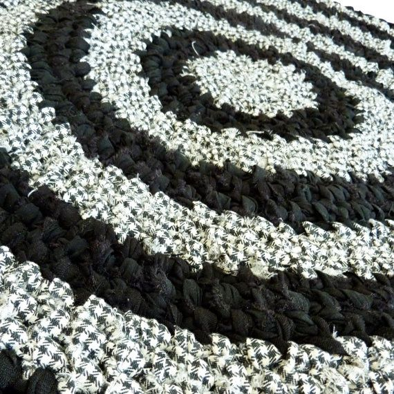 Round Rag Rug Black And White: Cute Houndstooth Rug