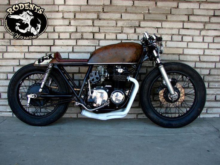 CB550Four mix of cafe and bratstyle #motorcycles #caferacer #motos | caferacerpasion.com