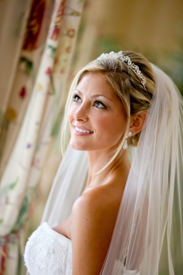 Natural Make Up Disney Fairytale Wedding Fairytale Wedding Hair Beautiful Wedding Hair Bridal Hair And Makeup