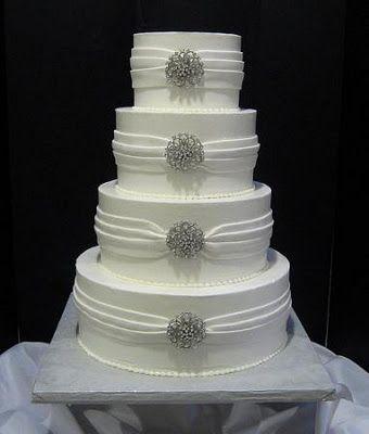 wedding elegant cake pictures | Elegant White Wedding Cake with Silver Jewelry