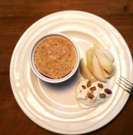Havermout als ontbijt is lekker en gezond. Probeer eens een mugcake te maken, dit vult goed en smaakt toch net weer anders dan je bakje havermout!