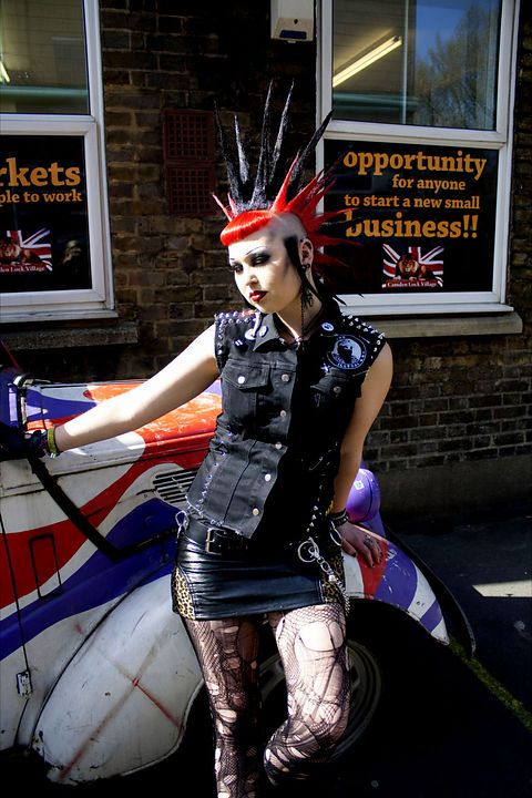 Liberty spikes, black and red