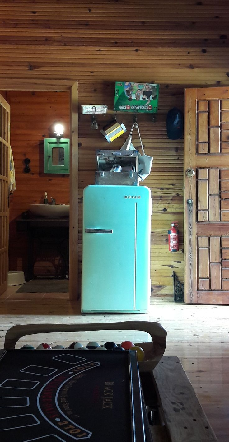 Vintage buzdolabı - vintage fridge - upcycle bosch fridge