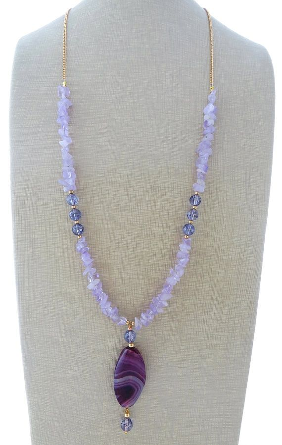 Amethyst necklace, purple agate necklace, beaded necklace, long pendant necklace, uk gemstone jewellery, statement jewelry, gift for her Long necklace with natural lavender amethyst and a purple agate pendant. Gorgeous, chic, feminine ! Size: 31.9 inches - 81 cm Gold tone All jewels come with a beautiful gift box Sofias Bijoux jewelry: http://www.etsy.com/it/shop/Sofiasbijoux ***************************** These jewels are handmade with semi - prec...