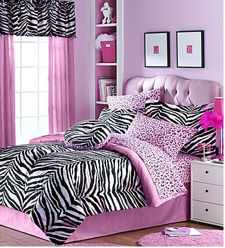Not a huge fan of animal prints, but this room is still pretty cute