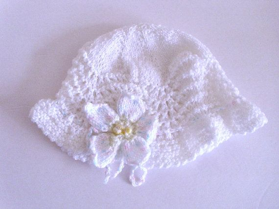 Baby lace  hat  with flower. Baby girl summer by MarikaHandKnits