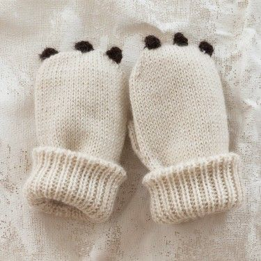 oeuf bear baby mittens. Pretty sure it would  be easy to make these Walmart has mittens  for .97$ just sew on some felt?