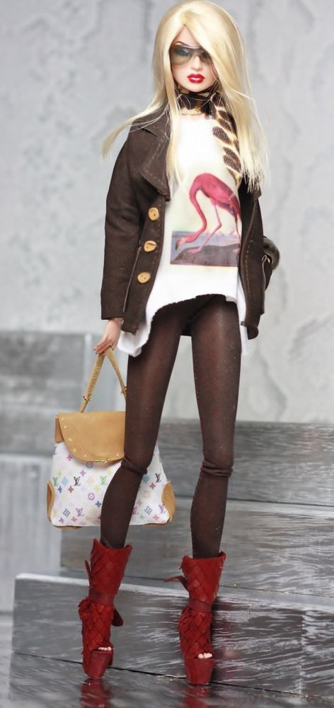 fashion royalty, fr2 dollsalive brown  outfit, leather shoes ,bag