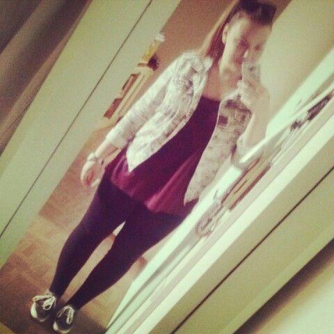 Summer OOTD #leggins #sneakers #jacket #ponytail #vineshirt