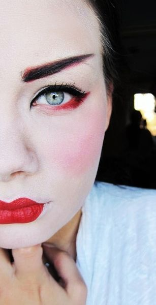 Geisha make up