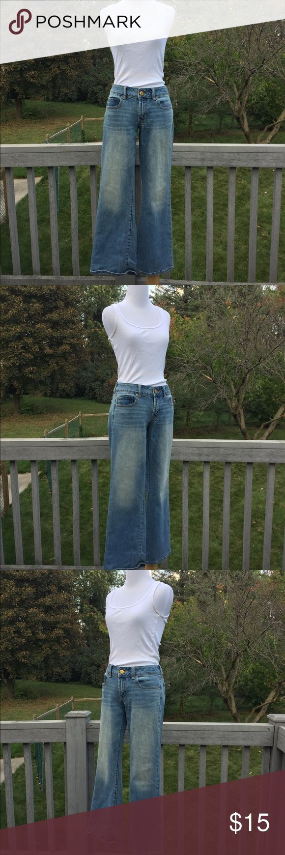 American Eagle Jeans These light-wash jeans from American Eagle are the Favorite Boyfriend style, meaning they sit on the hips, and are relaxed through the thighs into a wide leg. They are a size 8, and a short length. American Eagle Outfitters Jeans Boyfriend