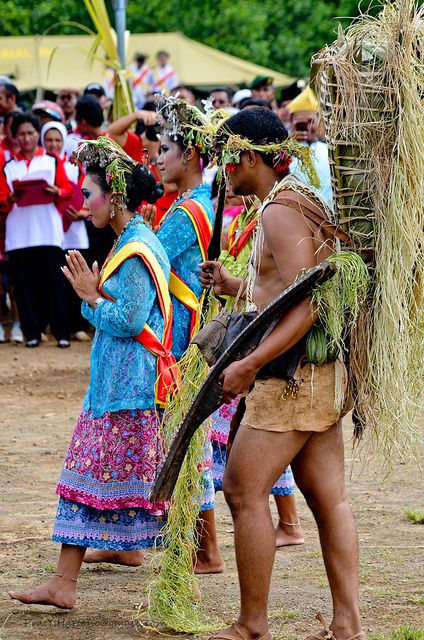 In the old days, hunting and gathering are something people from Halmahera island do for their life, this is reflected on the traditional outfit of a native Halmahera man. Photo taken during Jailolo Bay Festival.