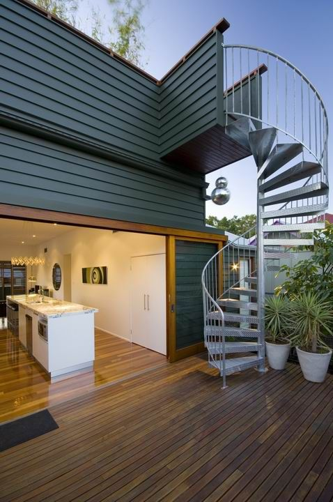 Arthur - indoor/outdoor kitchen and outdoor staircase