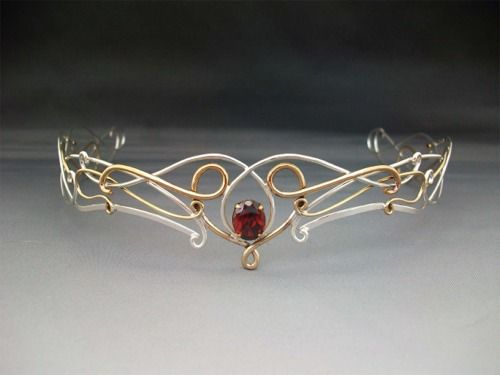 Elanor Medieval Wedding Circlet (Crown) at medievalbridalfashion.com this is my DREAM wedding crown, wish i could afford it!!