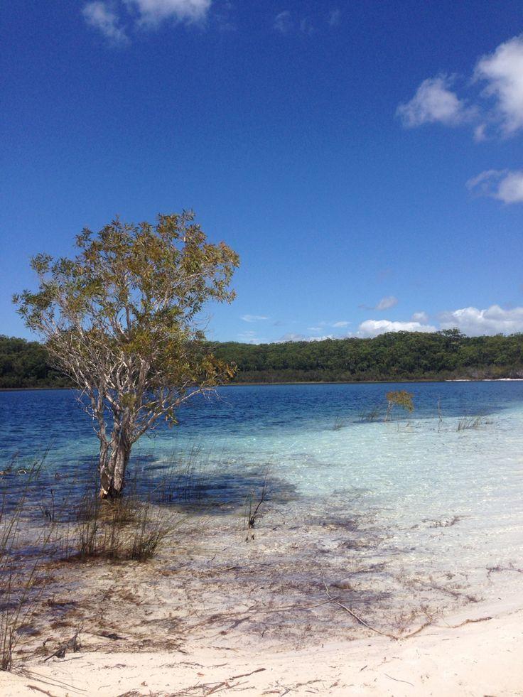 Lake McKenzie in Fraser Island