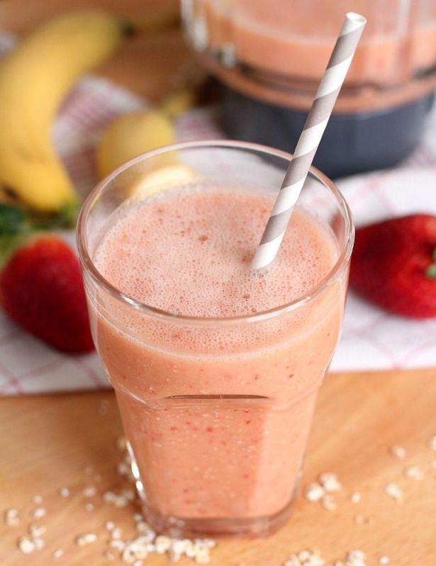 Strawberry, banana and oatmeal smoothie