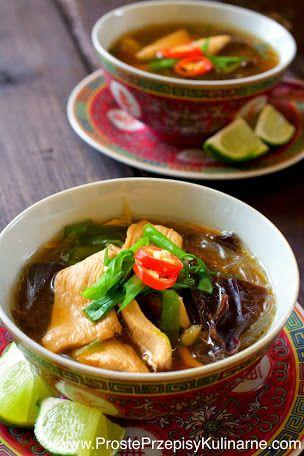Tajska zupa z kurczakiem. Przepis: http://www.prosteprzepisykulinarne.com/2014/12/tajska-zupa-z-kurczakiem.html