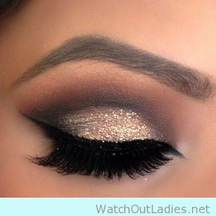 Whenever you got an important event or wedding party to attend, we keep asking ourselves: how we gonna do our make up? Bookmark this 10 Glitter eye make up ideas for a cocktail party