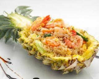 Taboulé ananas, crevettes et citron vert : http://www.fourchette-et-bikini.fr/recettes/recettes-minceur/taboule-ananas-crevettes-et-citron-vert.html