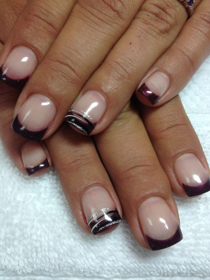 Gel Nails With Chrome Accent Nail: Classy Gel Nail Designs
