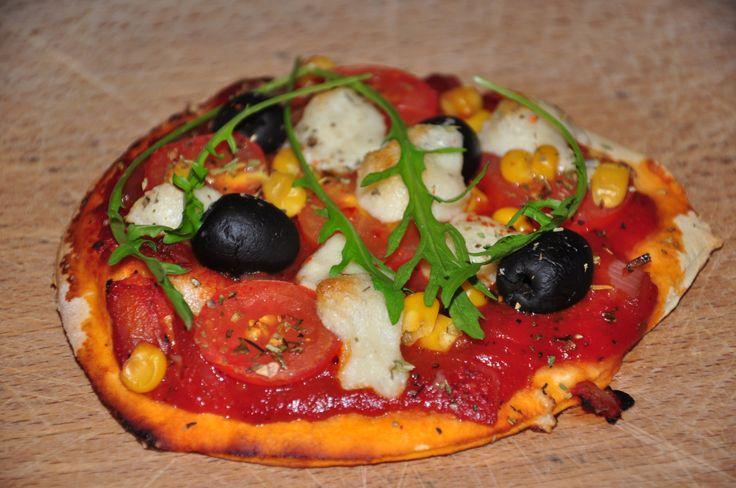 """Gestern gab es leckere Pizza mit """"Mozzarella"""". Dieser wurde gerade von Lena Suhr auf ihrem Blog """"A very vegan life"""" vorgestellt. Die Käsecreme zum Überbacken ist schnell gem…"""