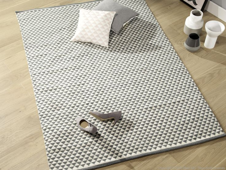 Tapis laine/coton tissé main motif triangle scandi YLLE
