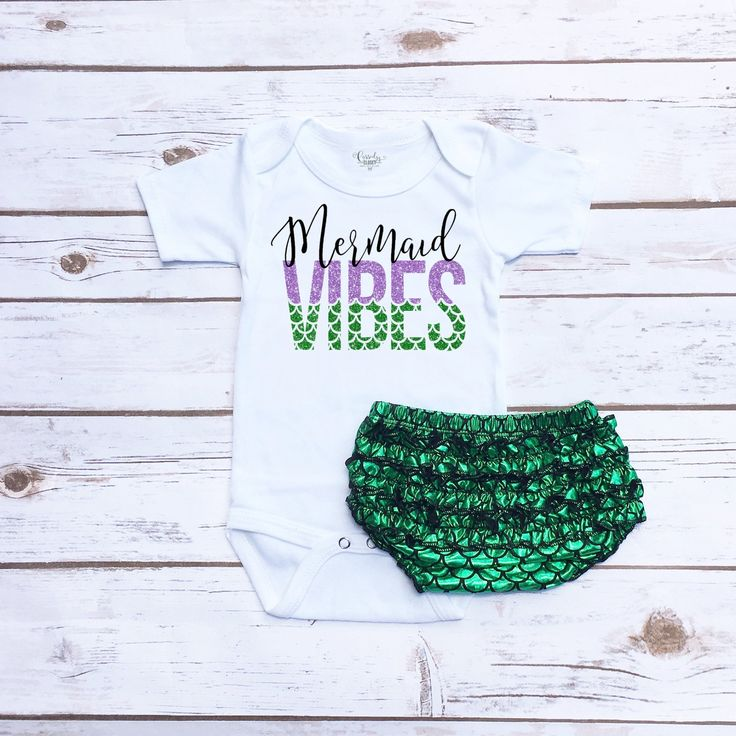 Summer baby girl outfit. Baby girl mermaid outfit with mermaid scales bloomers.