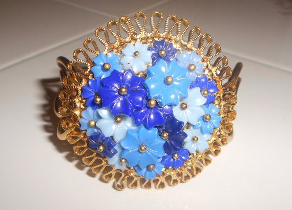 Vintage floral cuff hinged bracelet with celluloid by Lavendergems, $22.00: Bracelet, Captivating Vjse, Blue Flowers, Beautiful Jewels