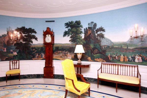 white house painted mural in the Diplomatic Reception Room