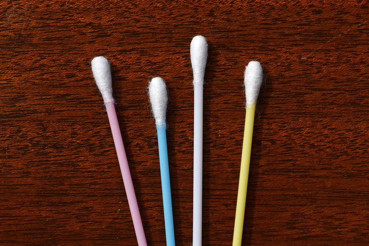 how to properly clean ears with q tips
