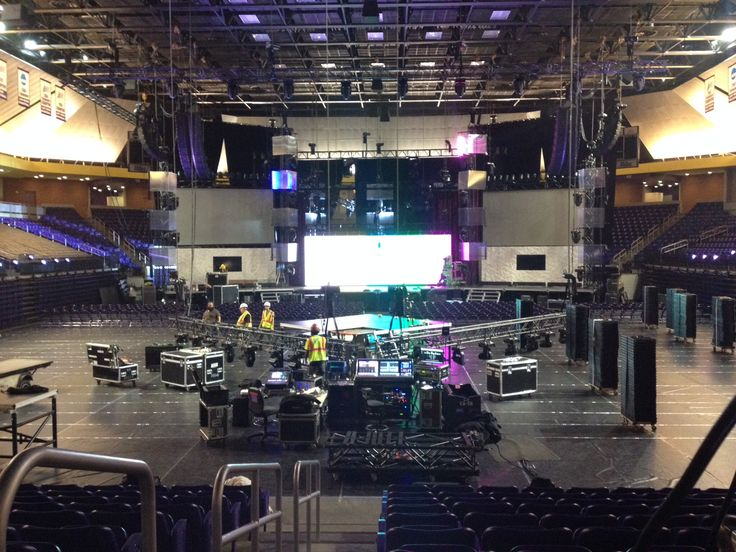 45th Dove Awards @ Allen Arena (2014). We designed the lighting and stage layout and operated the award show in cooperation with GMA and DeLux Productions.