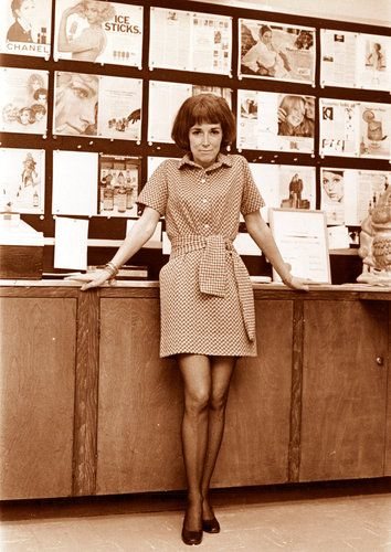 """Ms. Brown, who wrote the best-selling book """"Sex and the Single Girl"""" and was the longtime editor of Cosmopolitan, was widely credited with being the first to introduce frank discussions of sex into magazines for women."""