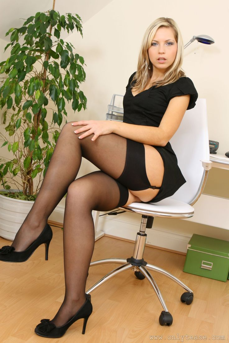 Cannot be! Long legs lingerie stockings