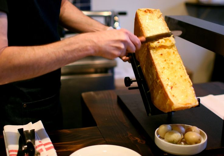 This tiny neighbourhood wine bar doesn't have room for a kitchen. So it serves a lot of cheese.