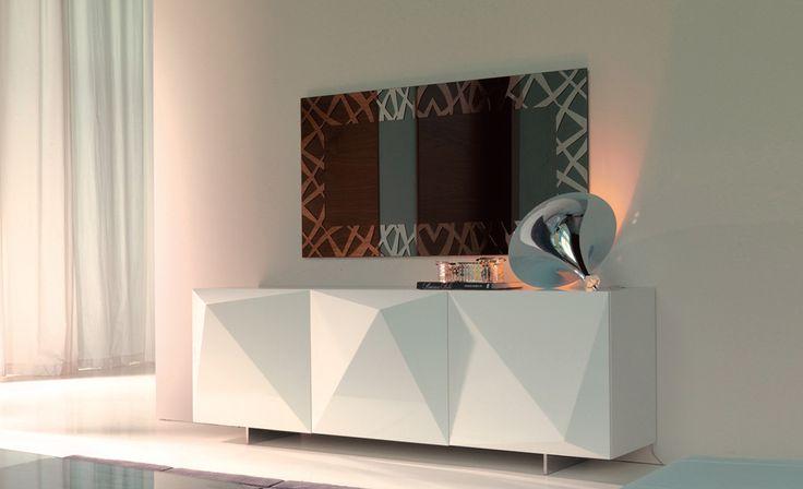 Specchio KENYA,   da parete in cristallo specchiato o specchiato fumè. Cornice applicata in acciaio inox.