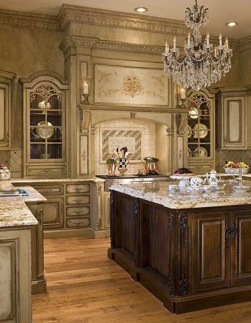 Luxury Kitchen Design   Love The Chandelier Over The Island!