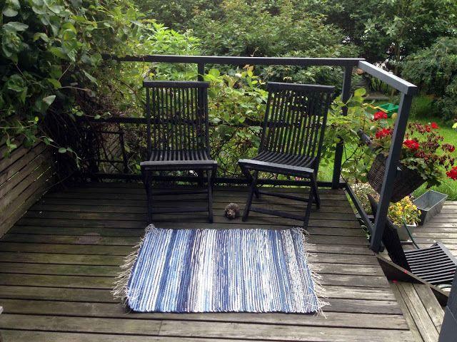 "Liljan Lumo: Rag rug named as ""storm"". Designed and knitted by Liljan Lumo/ Tiina Lilja"