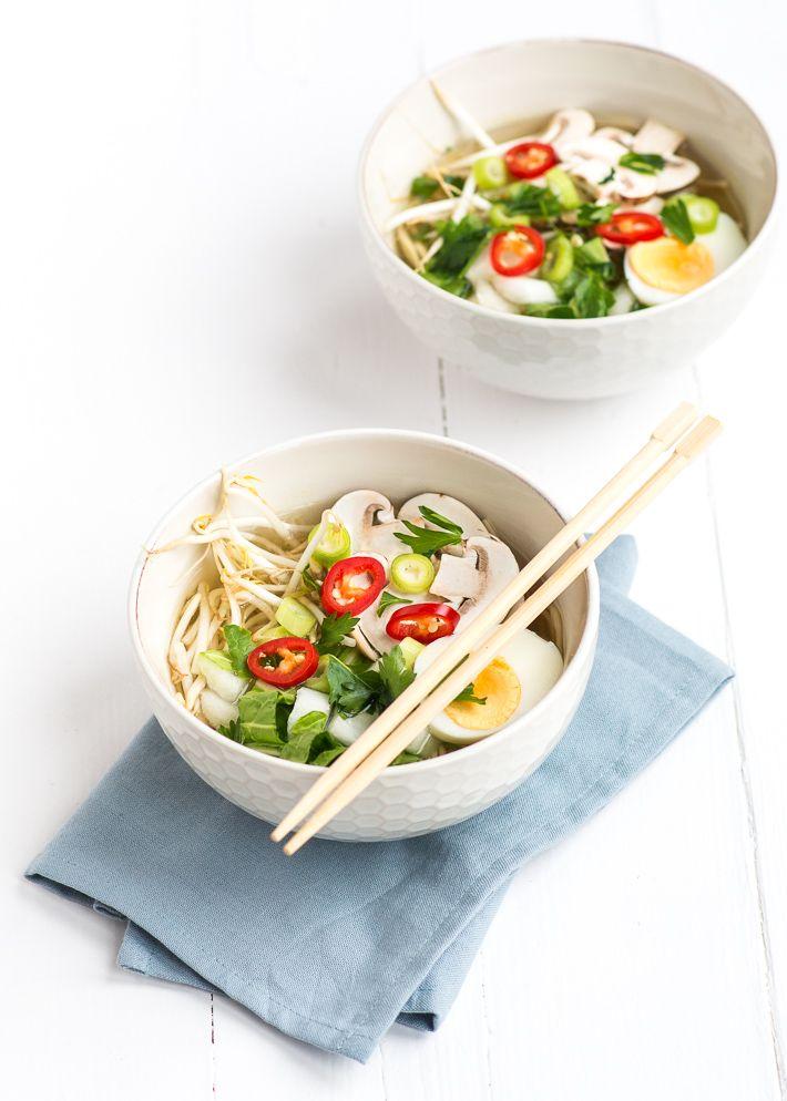 In Japan at ik geen Noedelsoep. Vandaag laat ik je zien hoe je dit recept voor deze vega ramen maakt.