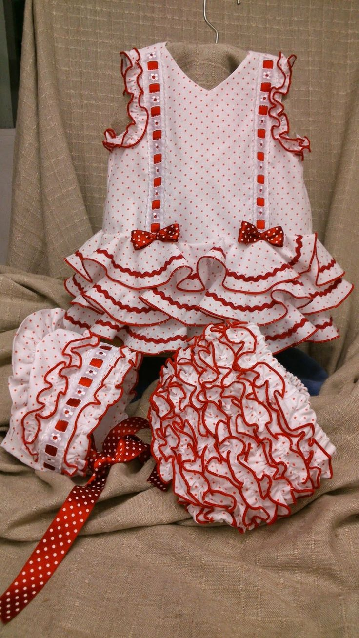Loreley+++120++€+-vestido+lunares+rojos+-DSC_0527[1].jpg (900×1600)