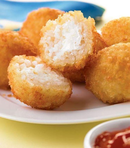 bolitas fritas de arroz y queso cremoso